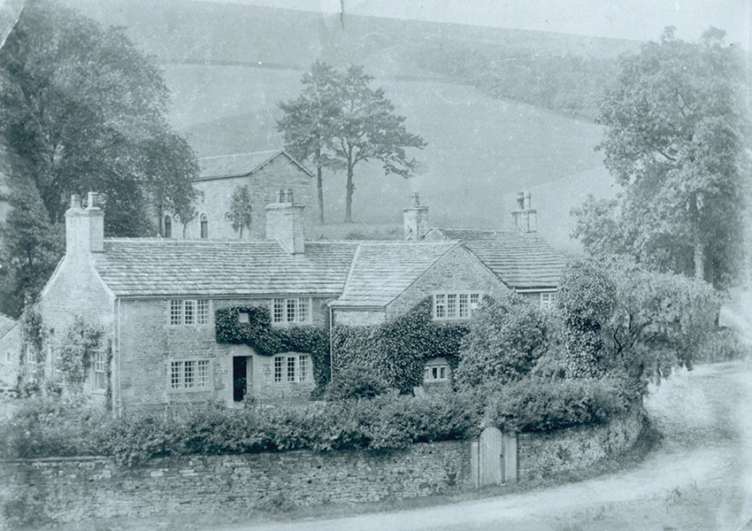 Gatehouse Cottage is at the end of the drive leading from Errwood Hall, so must be the 'Lodge' described here.