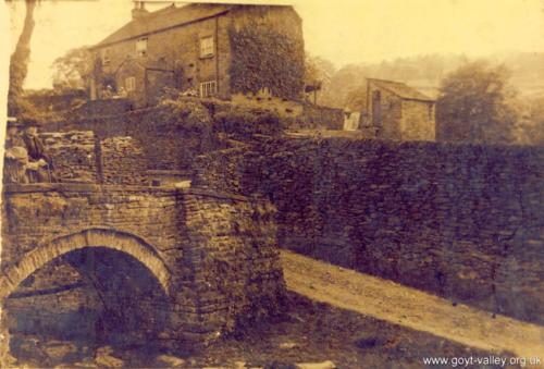 Packhorse Bridge. c.1910.